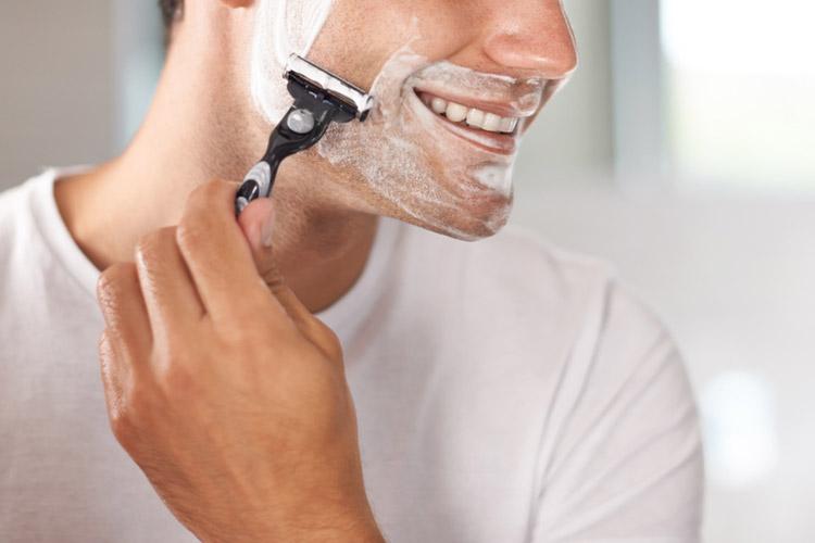 【基本】まずは正しく髭剃りを行うことが大切!