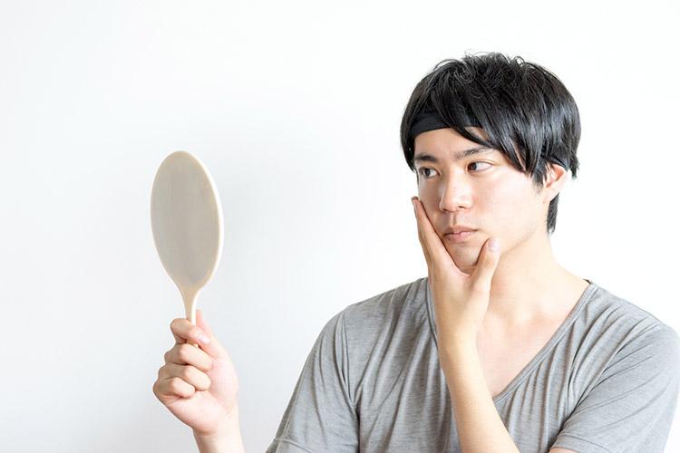 青髭の原因は?男性ホルモンの影響と間違った髭の処理方法